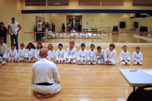 Kevin Bench leads Shotokan Karate practices in the Phoenix metropolitan area.